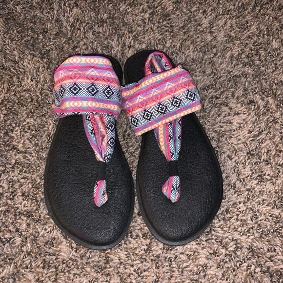 Sanuk Yoga Tribal Sandals Size 7